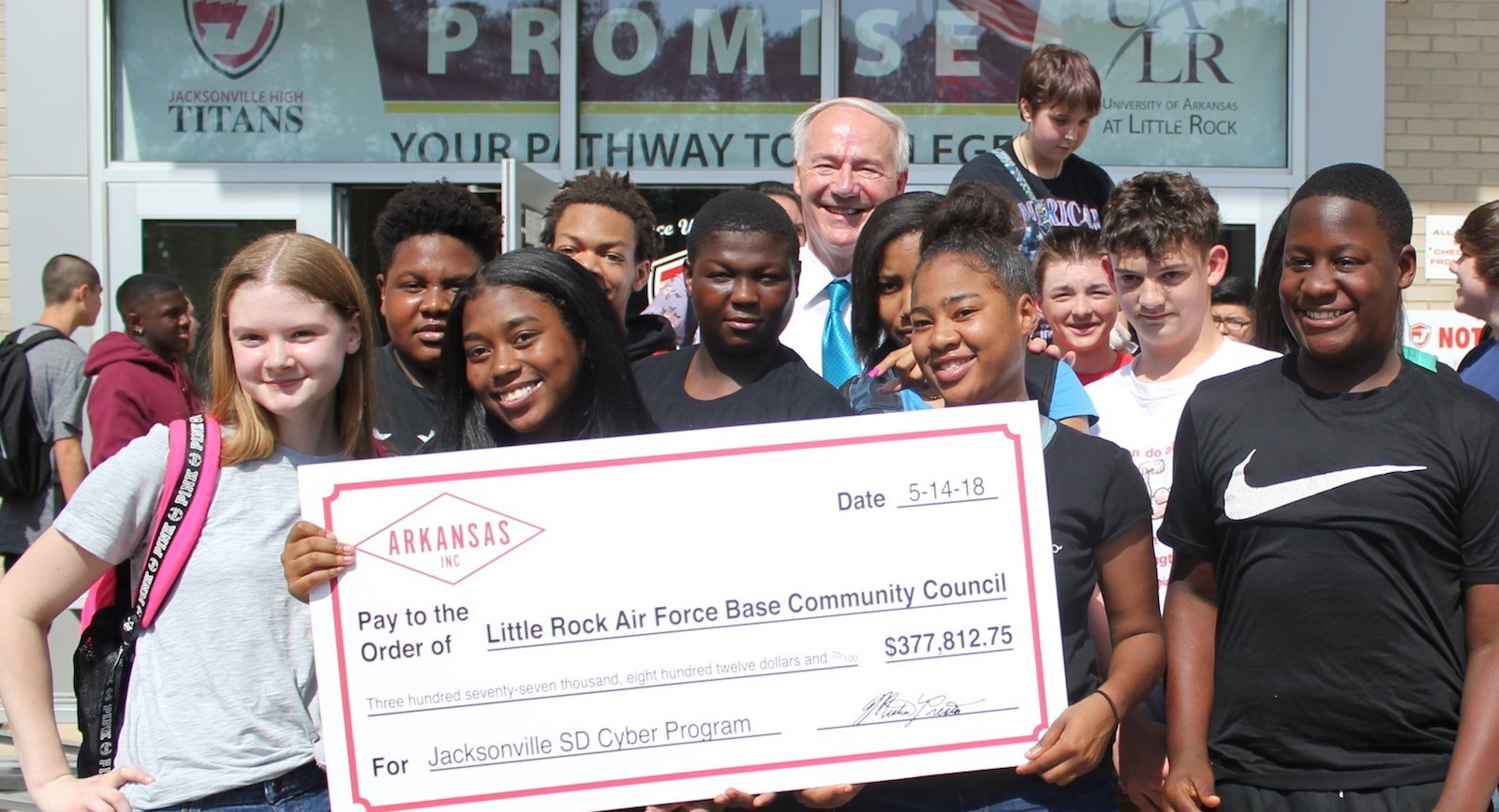 Governor Asas Hutchinson with students.